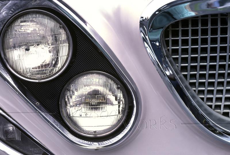 1962 Chrysler Newport; detail of front end