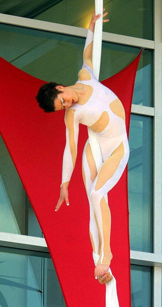 5/9/2001. Edith Sauvé-Letellier a performer with 'Cirque Éloize' at the opening of the 'Canada and the World Pavilion'.  Photo by Patrick Doyle/