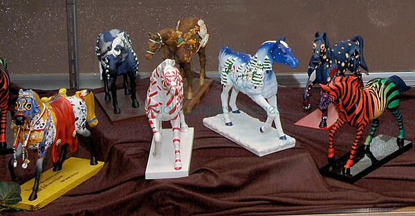 DX31803_ponies