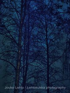 Outo sininen - strange blue