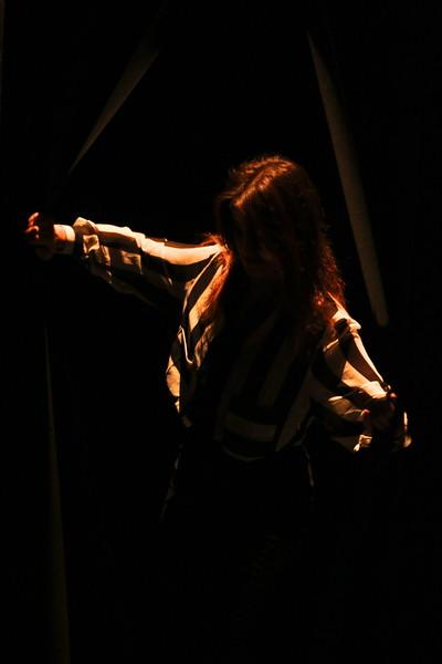 Des ombres dansent...