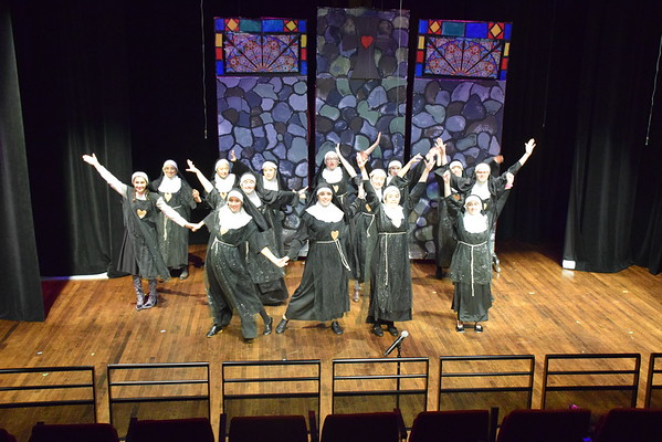 Maskers Fall Play 'Sister Act'