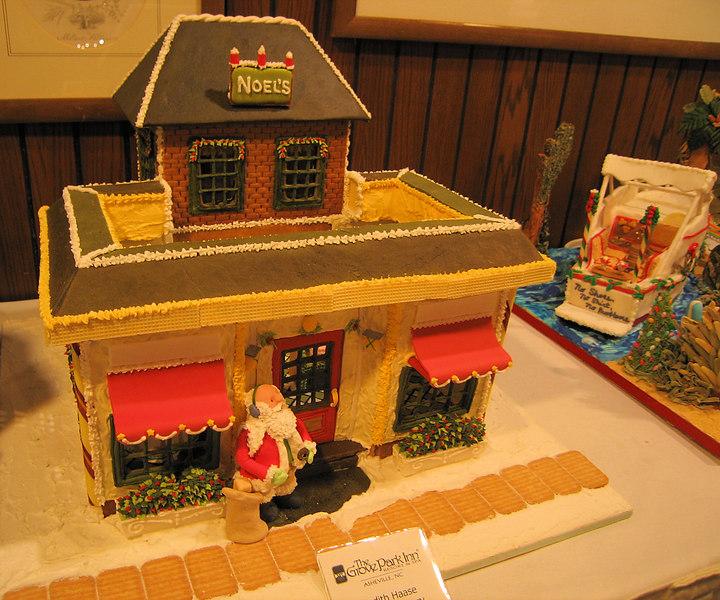 House with Santa (last name Haase)