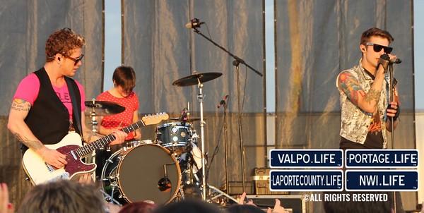 Hot-Chelle-Rae-Porter-County-Fair-2012 (22)