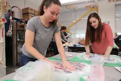 2016 Visiting Artist April Ferry in Lily Hotchkiss' Class Making Felt Vessels