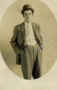 1911: Art Harwig Sr