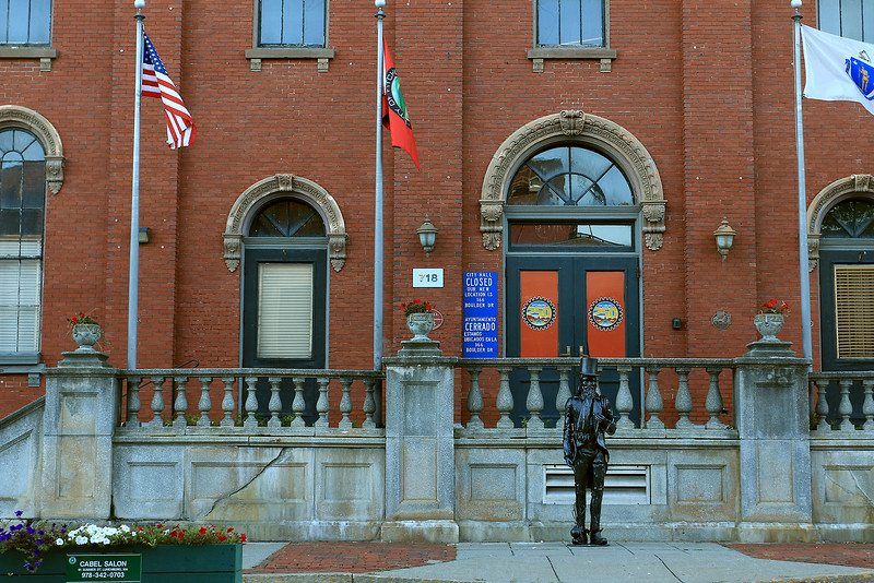 The metal statues are back on Main Street to promote the Artsmith Festiva that will be held October 8, 2016 at 10 a.m. to 5 p.m. at Fitchburg Riverfront Park on Boulder Drive. The rain date is October 9, 2016. One stands just out in front of the stairs of the old City Hall. SENTINEL & ENTERPRISE/JOHN LOVE