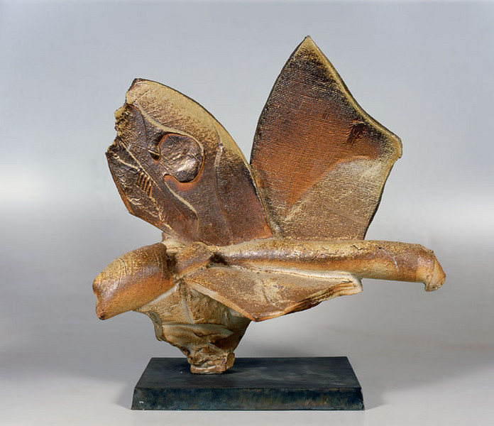 Pedestal Piece 996, 1999.  24.5 x 26 x 16 in.