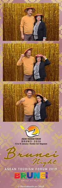 Asian-Tourism-Forum-2019-Brunei-Night-instant-print-photobooth-in-Ha-Long-Bay-Quang-Ninh-chup-anh-in-hinh-lay-lien-su-kien-Vinh-Ha-Long-Quang-Ninh-WefieBox-Photobooth-Vietnam-12