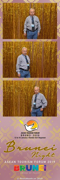 Asian-Tourism-Forum-2019-Brunei-Night-instant-print-photobooth-in-Ha-Long-Bay-Quang-Ninh-chup-anh-in-hinh-lay-lien-su-kien-Vinh-Ha-Long-Quang-Ninh-WefieBox-Photobooth-Vietnam-04