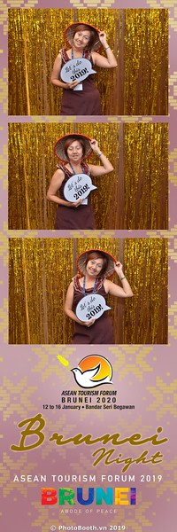 Asian-Tourism-Forum-2019-Brunei-Night-instant-print-photobooth-in-Ha-Long-Bay-Quang-Ninh-chup-anh-in-hinh-lay-lien-su-kien-Vinh-Ha-Long-Quang-Ninh-WefieBox-Photobooth-Vietnam-23