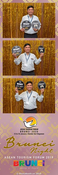 Asian-Tourism-Forum-2019-Brunei-Night-instant-print-photobooth-in-Ha-Long-Bay-Quang-Ninh-chup-anh-in-hinh-lay-lien-su-kien-Vinh-Ha-Long-Quang-Ninh-WefieBox-Photobooth-Vietnam-33