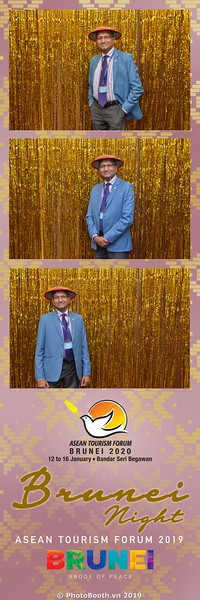 Asian-Tourism-Forum-2019-Brunei-Night-instant-print-photobooth-in-Ha-Long-Bay-Quang-Ninh-chup-anh-in-hinh-lay-lien-su-kien-Vinh-Ha-Long-Quang-Ninh-WefieBox-Photobooth-Vietnam-08