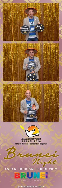 Asian-Tourism-Forum-2019-Brunei-Night-instant-print-photobooth-in-Ha-Long-Bay-Quang-Ninh-chup-anh-in-hinh-lay-lien-su-kien-Vinh-Ha-Long-Quang-Ninh-WefieBox-Photobooth-Vietnam-27