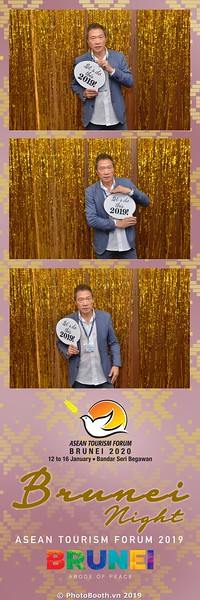 Asian-Tourism-Forum-2019-Brunei-Night-instant-print-photobooth-in-Ha-Long-Bay-Quang-Ninh-chup-anh-in-hinh-lay-lien-su-kien-Vinh-Ha-Long-Quang-Ninh-WefieBox-Photobooth-Vietnam-24