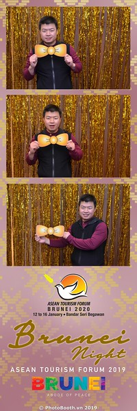 Asian-Tourism-Forum-2019-Brunei-Night-instant-print-photobooth-in-Ha-Long-Bay-Quang-Ninh-chup-anh-in-hinh-lay-lien-su-kien-Vinh-Ha-Long-Quang-Ninh-WefieBox-Photobooth-Vietnam-47