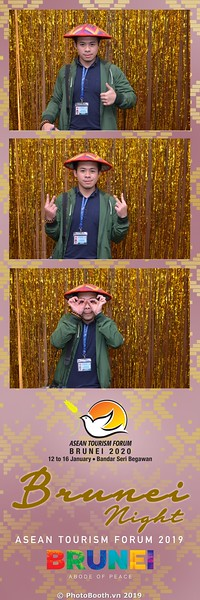 Asian-Tourism-Forum-2019-Brunei-Night-instant-print-photobooth-in-Ha-Long-Bay-Quang-Ninh-chup-anh-in-hinh-lay-lien-su-kien-Vinh-Ha-Long-Quang-Ninh-WefieBox-Photobooth-Vietnam-42