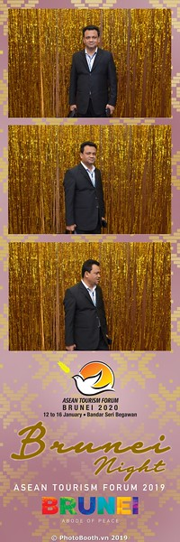 Asian-Tourism-Forum-2019-Brunei-Night-instant-print-photobooth-in-Ha-Long-Bay-Quang-Ninh-chup-anh-in-hinh-lay-lien-su-kien-Vinh-Ha-Long-Quang-Ninh-WefieBox-Photobooth-Vietnam-05