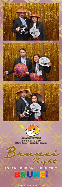Asian-Tourism-Forum-2019-Brunei-Night-instant-print-photobooth-in-Ha-Long-Bay-Quang-Ninh-chup-anh-in-hinh-lay-lien-su-kien-Vinh-Ha-Long-Quang-Ninh-WefieBox-Photobooth-Vietnam-28