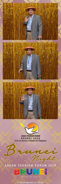 Asian-Tourism-Forum-2019-Brunei-Night-instant-print-photobooth-in-Ha-Long-Bay-Quang-Ninh-chup-anh-in-hinh-lay-lien-su-kien-Vinh-Ha-Long-Quang-Ninh-WefieBox-Photobooth-Vietnam-06