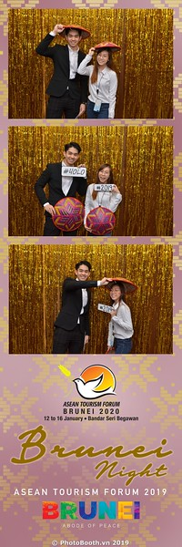 Asian-Tourism-Forum-2019-Brunei-Night-instant-print-photobooth-in-Ha-Long-Bay-Quang-Ninh-chup-anh-in-hinh-lay-lien-su-kien-Vinh-Ha-Long-Quang-Ninh-WefieBox-Photobooth-Vietnam-01