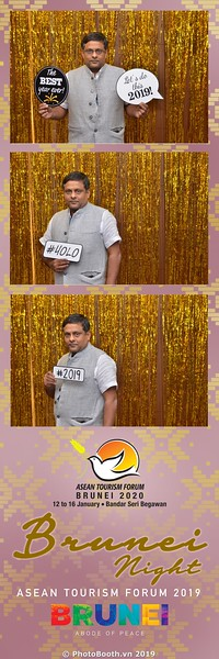 Asian-Tourism-Forum-2019-Brunei-Night-instant-print-photobooth-in-Ha-Long-Bay-Quang-Ninh-chup-anh-in-hinh-lay-lien-su-kien-Vinh-Ha-Long-Quang-Ninh-WefieBox-Photobooth-Vietnam-41