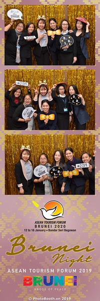 Asian-Tourism-Forum-2019-Brunei-Night-instant-print-photobooth-in-Ha-Long-Bay-Quang-Ninh-chup-anh-in-hinh-lay-lien-su-kien-Vinh-Ha-Long-Quang-Ninh-WefieBox-Photobooth-Vietnam-29