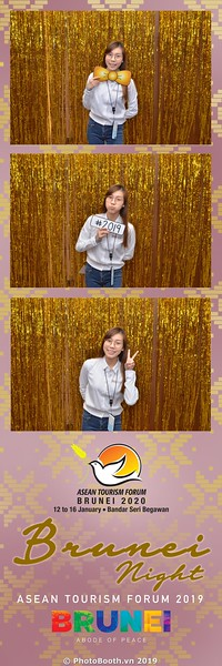 Asian-Tourism-Forum-2019-Brunei-Night-instant-print-photobooth-in-Ha-Long-Bay-Quang-Ninh-chup-anh-in-hinh-lay-lien-su-kien-Vinh-Ha-Long-Quang-Ninh-WefieBox-Photobooth-Vietnam-03