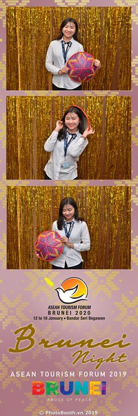 Asian-Tourism-Forum-2019-Brunei-Night-instant-print-photobooth-in-Ha-Long-Bay-Quang-Ninh-chup-anh-in-hinh-lay-lien-su-kien-Vinh-Ha-Long-Quang-Ninh-WefieBox-Photobooth-Vietnam-37
