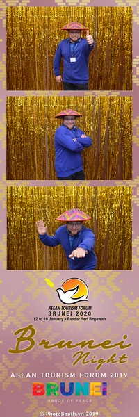 Asian-Tourism-Forum-2019-Brunei-Night-instant-print-photobooth-in-Ha-Long-Bay-Quang-Ninh-chup-anh-in-hinh-lay-lien-su-kien-Vinh-Ha-Long-Quang-Ninh-WefieBox-Photobooth-Vietnam-13