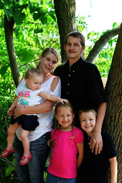 Ashley M Family 201224_edited-1