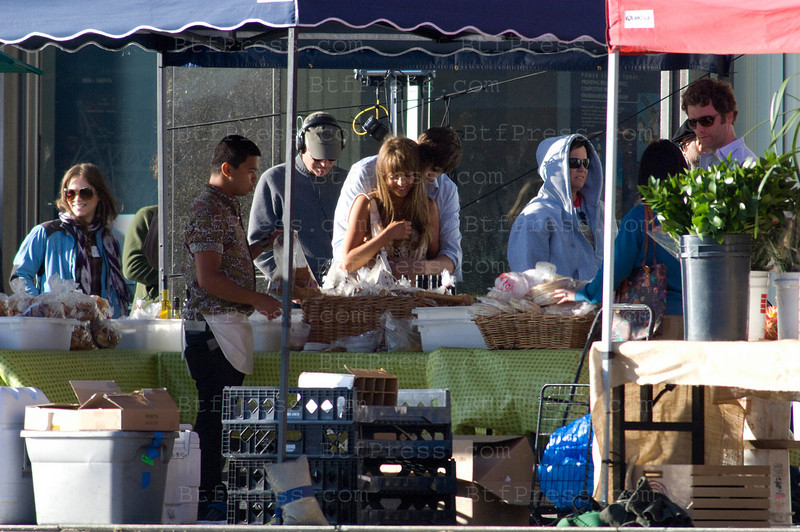 Ashton Kutcher and Natalie Portman Filming an Yvan Reitman project, the scene was in a farmer market decor in downtown Los Angeles.