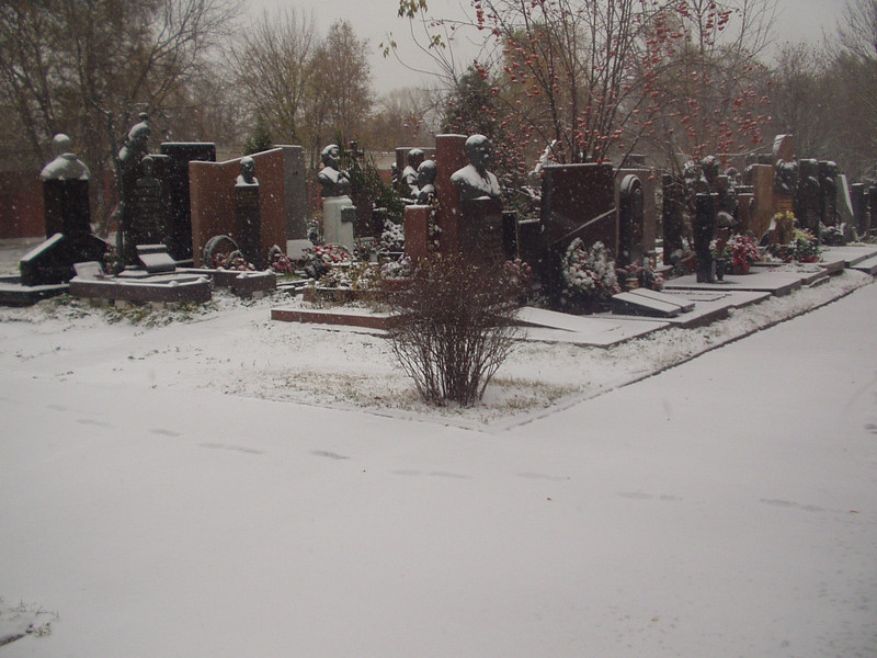 graveyard09.jpg
