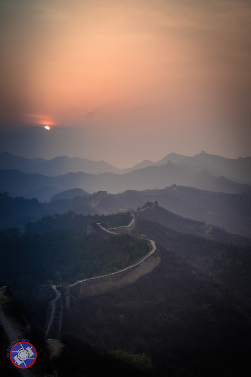 Dawn at the Great Wall of China (©simon@myeclecticimages.com)