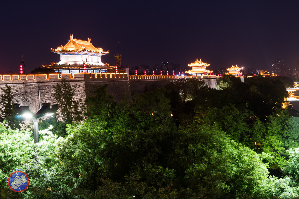 Nighttime View of the City Walls in Xi'an, China (©simon@myeclecticimages.com)