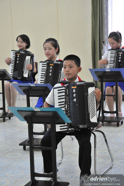 North Korean kids playing music