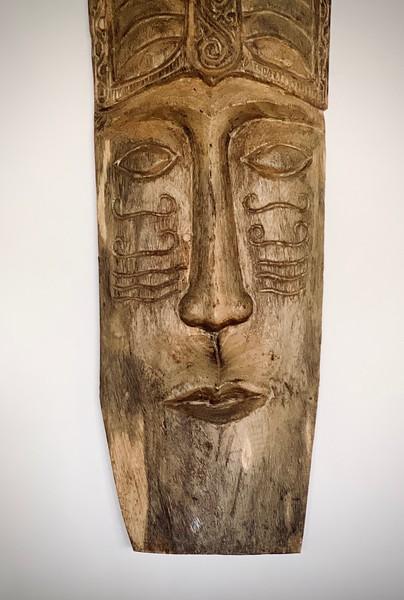 Villa Markisa, wood carving