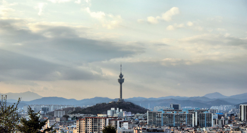 The Daegu Tower hit by rays of light at dusk.