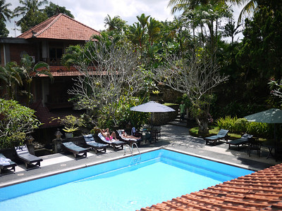Pool and deck of Artini 2 Cottages in Ubud, Bali.