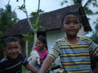 Balinese kids playing