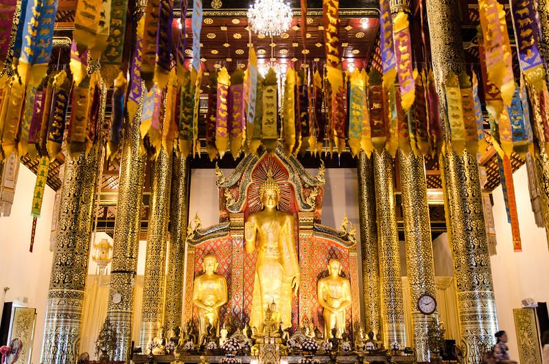 Golden ribbon offerings at Virhara Luang.