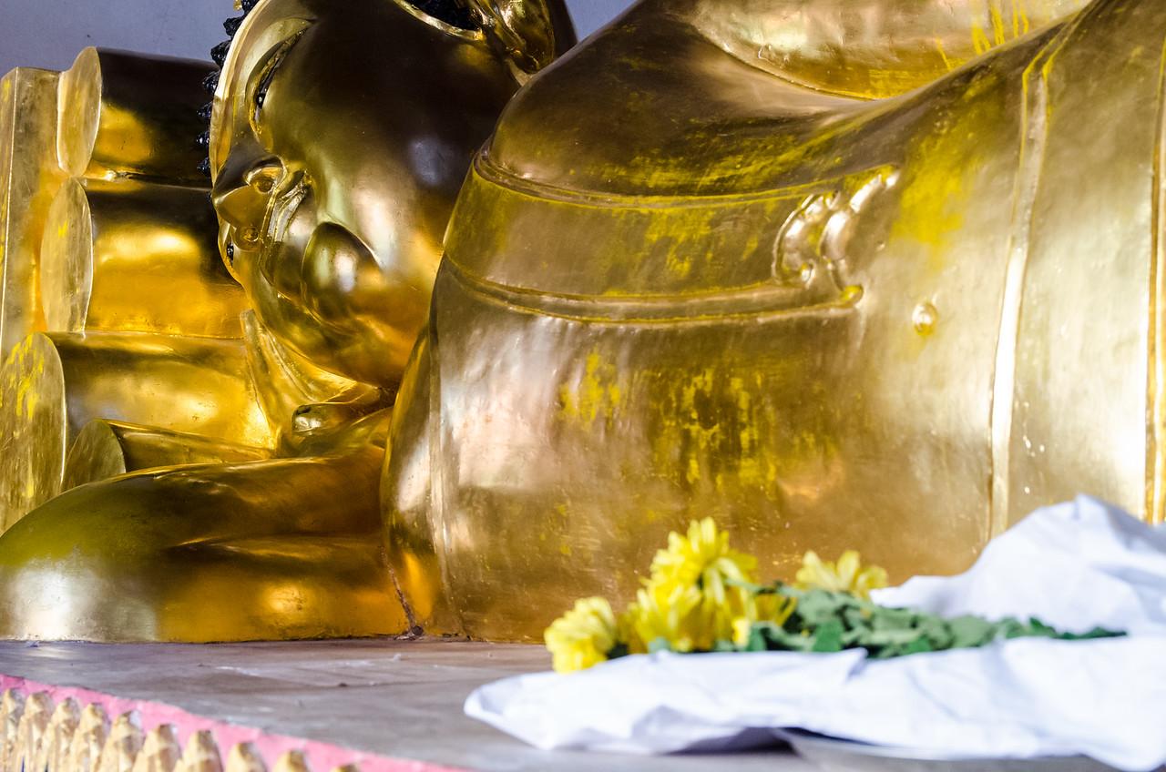 Reclining buddha at Wat Phra Singh.