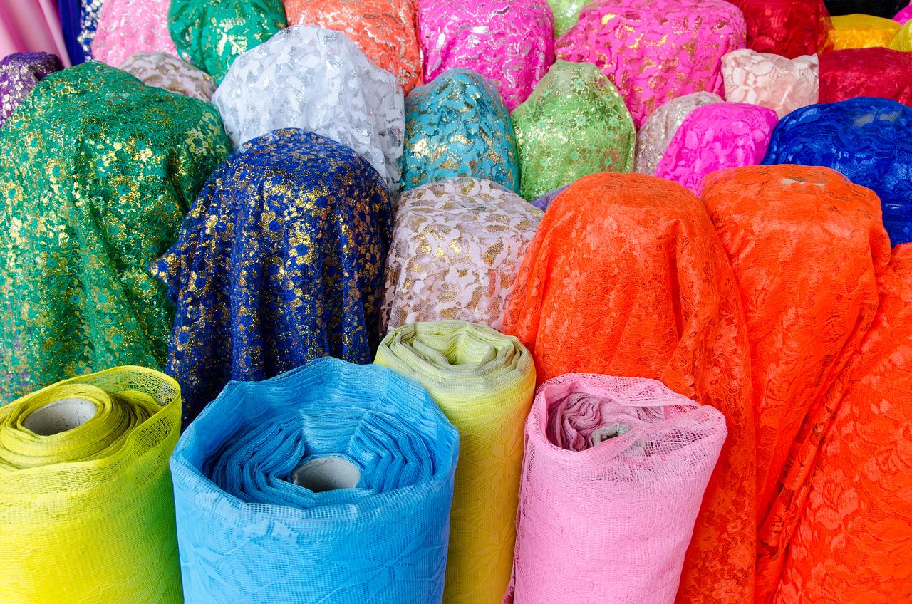 Cloth shop, Warorot Market.