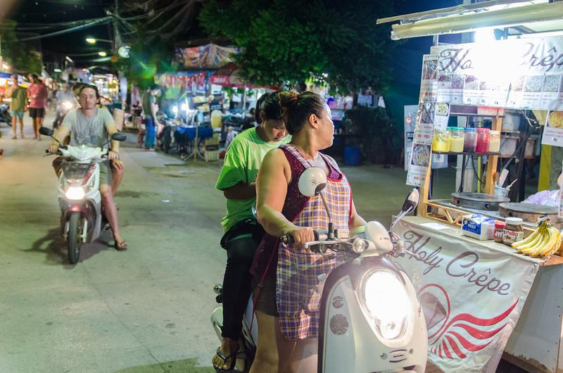 Pai has lots of markets and food stalls at night.
