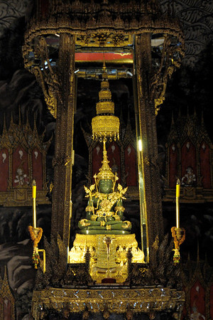 Emerald Buddha, Grand Palace