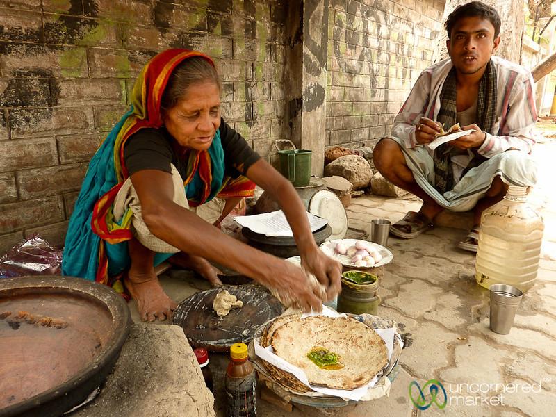 Kalai Roti Made on Streets of Rajshahi, Bangladesh