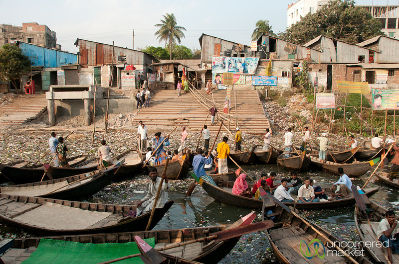 Rowboats Dropping Off Passengers at Sadarghat - Dhaka, Bangladesh