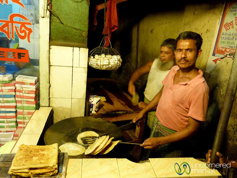 Frying Up some Roti (Flat Bread) - Khulna, Bangladesh