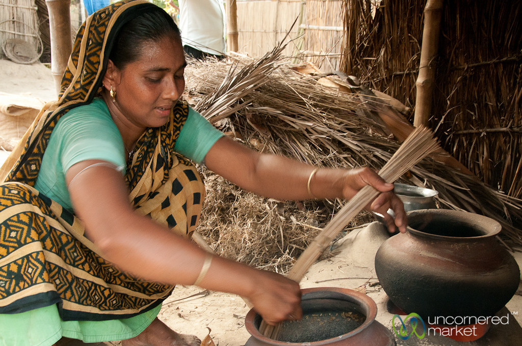 Making Popped Rice - Hatiandha, Bangladesh