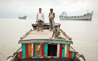 Shuttle boat in the Bay of Bengal, Bangladesh